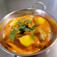 Chicken Curry with Spinach and Potatoes